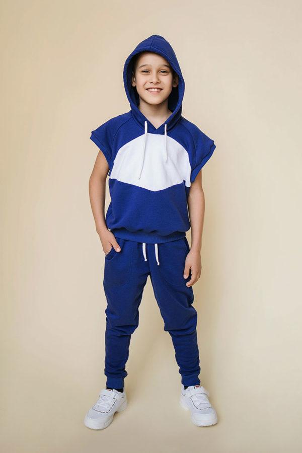 модный спортивный костюм для мальчика