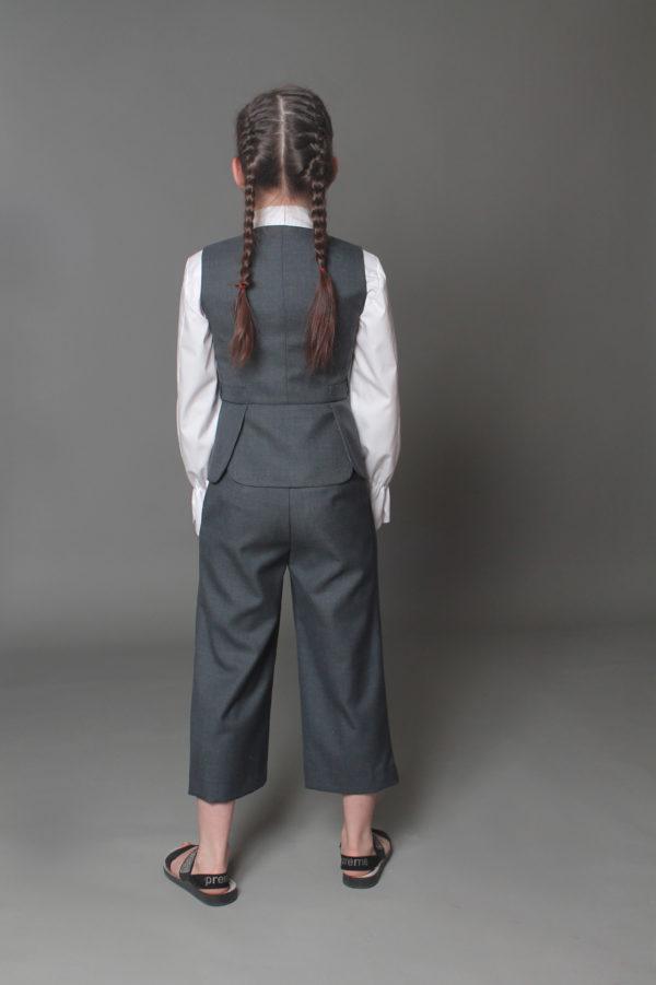 школьная форма вид сзади