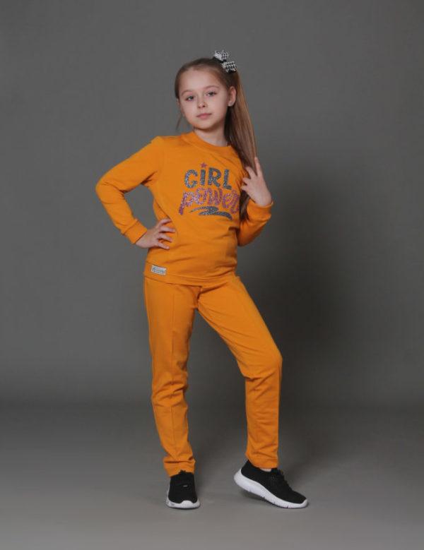 желтый костюм девочки